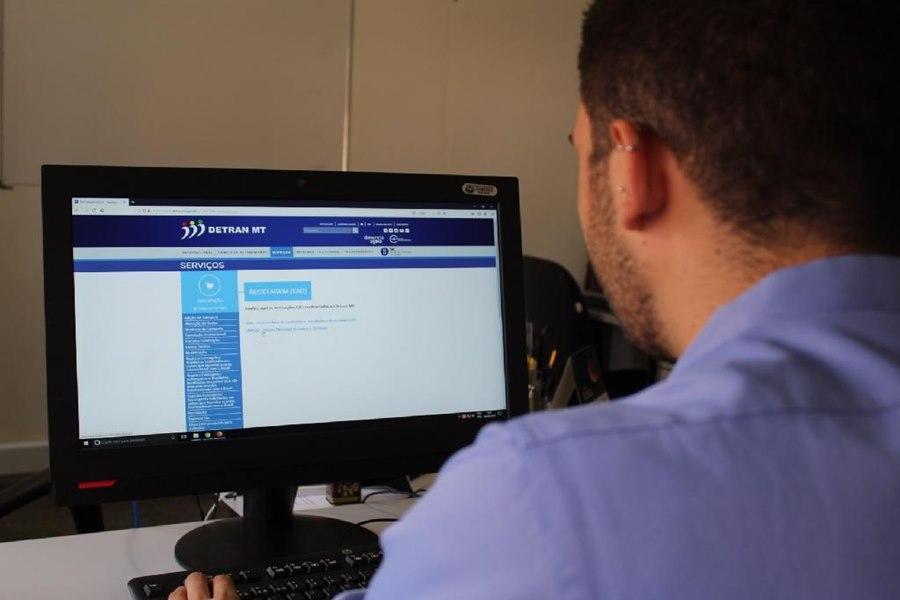 Imagem: DETRAN AGENDAMENTO Cidadãos tem acesso a serviços do Detran-MT de forma on-line e por agendamento
