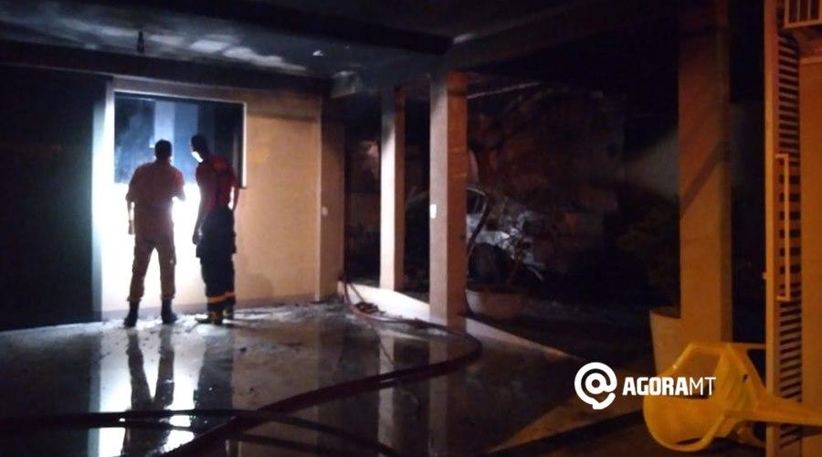 Imagem: Incendio EM rondonopolis Casa pega fogo em Rondonópolis e fica totalmente destruída
