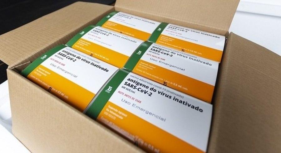 Imagem: Lote Coronavac vacina para covid Fila por Coronavac é bem maior que o anunciado em Rondonópolis