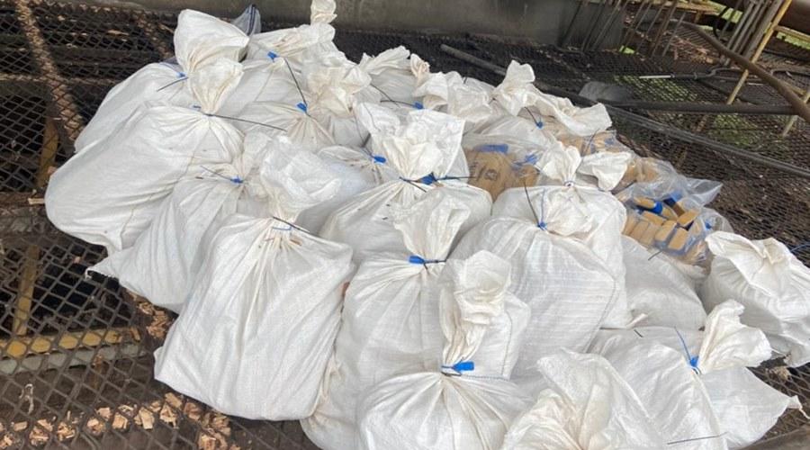 Imagem: Policia Civil incinera 12 tonelada de entorpecentes PC incinera mais de uma tonelada de drogas apreendidas em 2020