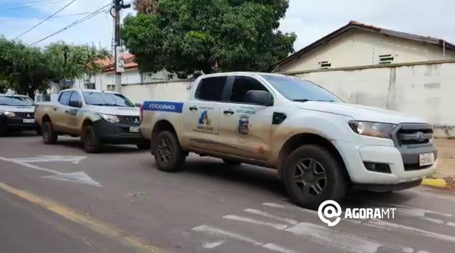 Imagem: Secretarias Municipais retirando as vacinas Vacina contra a Covid-19 começa a ser distribuída para os municípios da região