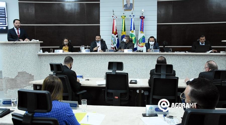 Imagem: Sessao na Camara Municipal Câmara rejeita inclusão de entidades empresariais no Comitê de Crise