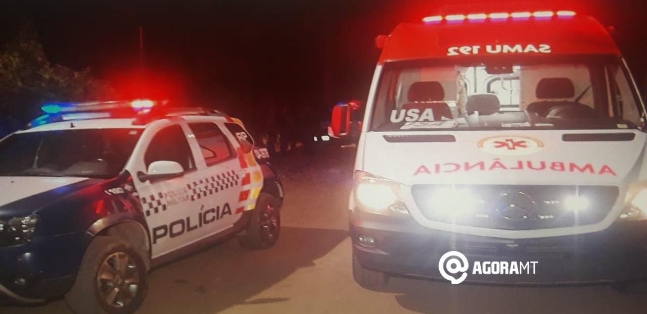 Imagem: Viatura do Samu e Policia Jovem é baleado no peito no meio da rua e suspeitos fogem
