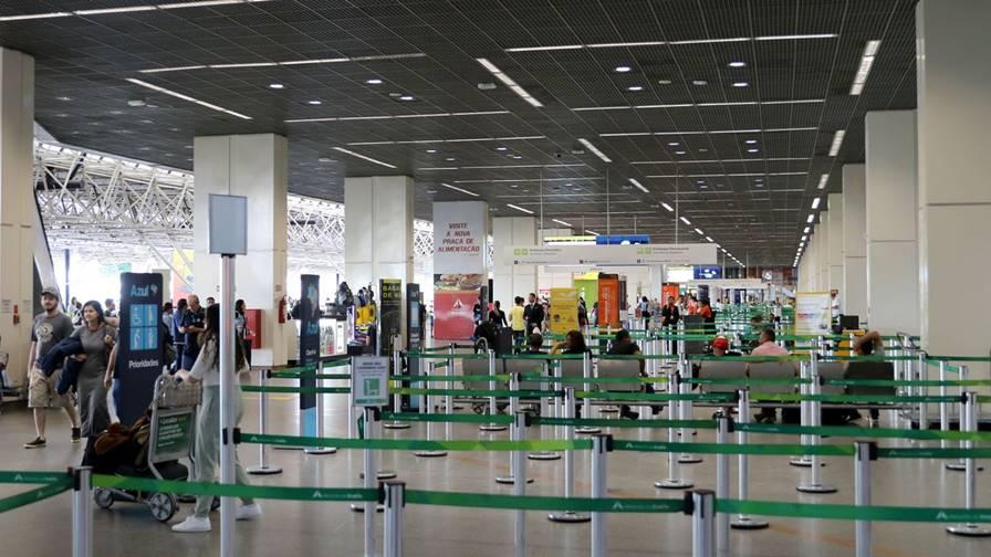 Imagem: wdo 5982 Variante do coronavírus faz países suspenderem voos com o Brasil