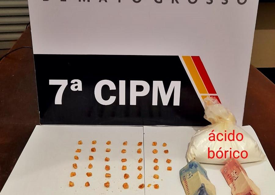 Imagem: 0d0b3aa8 1c8d 44c9 b764 061cf10f763b PM apreende quarenta pedras aparentandoser pasta base de cocaína