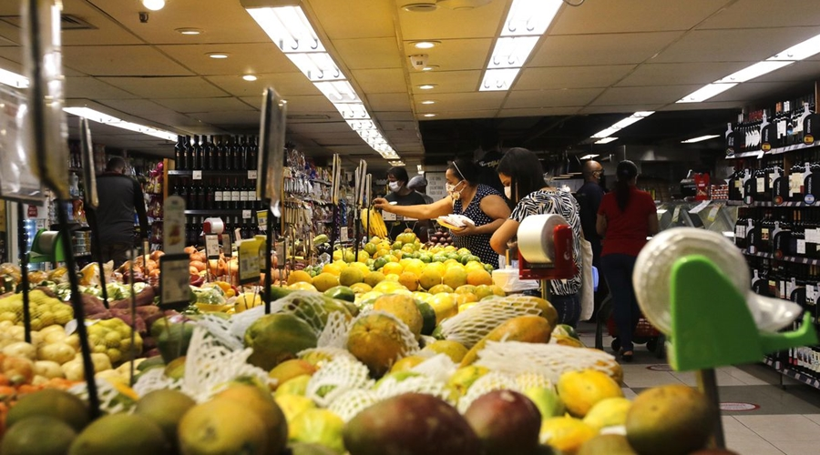 Imagem: 20.05.2020.supermercado rio de janeiro 0520203151 CDL quer a vacinação prioritária de funcionários de supermercados e similares