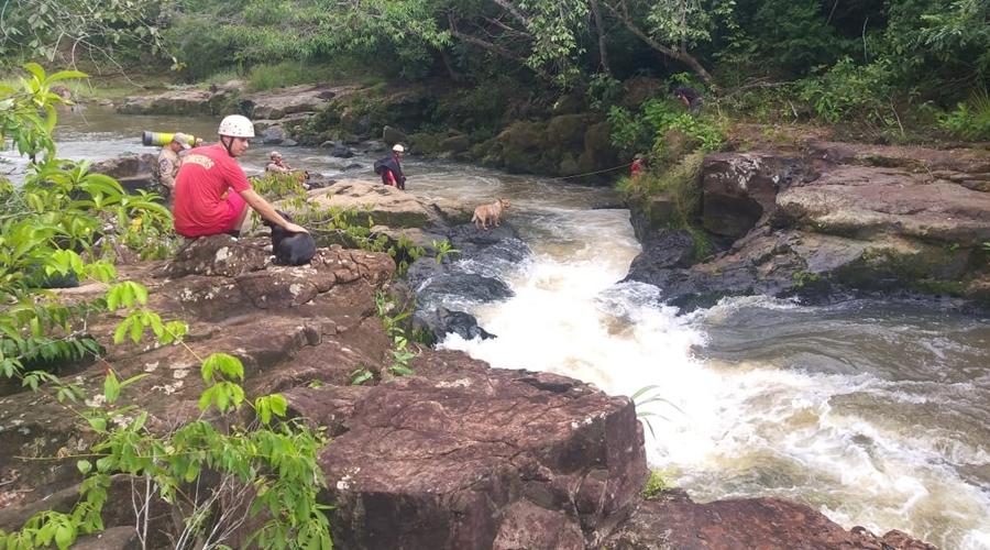 Imagem: 4a724f2c 02f6 47c9 a6bb 303a7cf7df30 Bombeiros retomam buscas por jovem levado por correnteza no Rio Ponte de Pedra