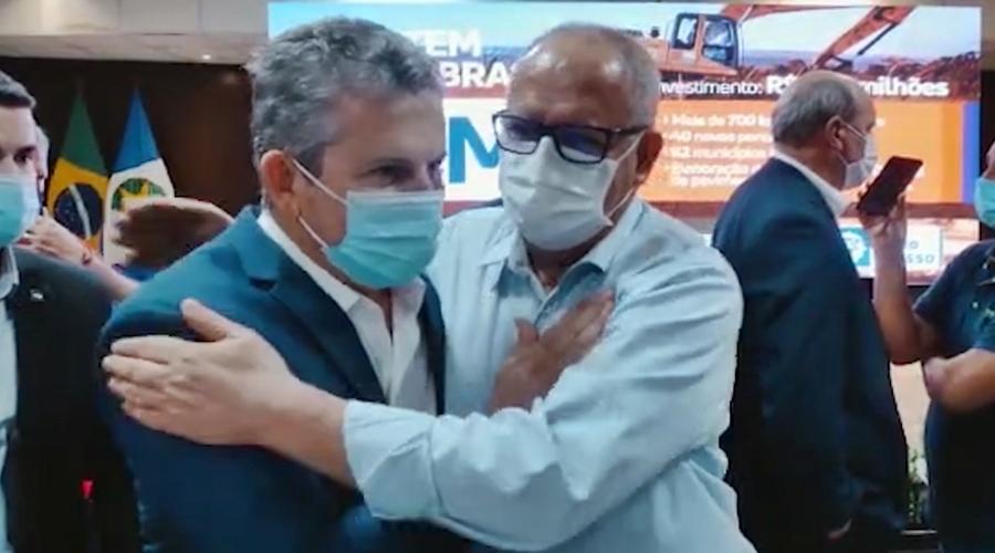 Imagem: Governador Mauro Mendes e o prefeito Jose Carlos Ao lado de Mendes, Pátio diz que irá construir muitas parcerias com governador