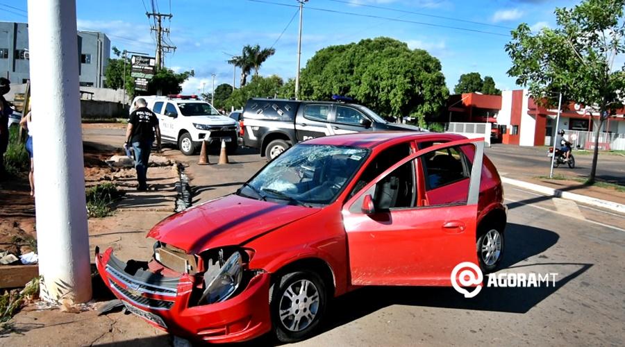 Imagem: Politec e Policia Civil no local do acidente Gestante é socorrida após se envolver em acidente na Bandeirantes