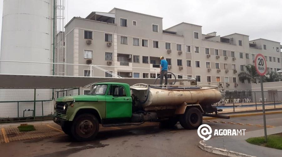 Imagem: Sem abastecimento populacao recorre a caminhoes pipa em VG Sem abastecimento de água há três dias, população recorre a caminhões pipa