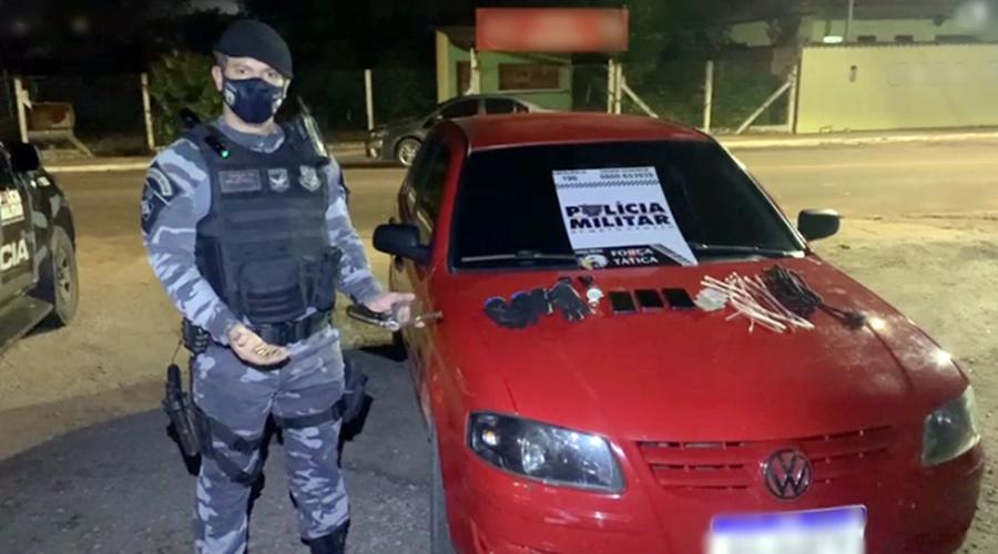 Imagem: Veiculo arma e celulares apreendido pela equipe de Forca Tatica com suspeitos Quadrilha é presa após roubo a residência e caminhonete é recuperada