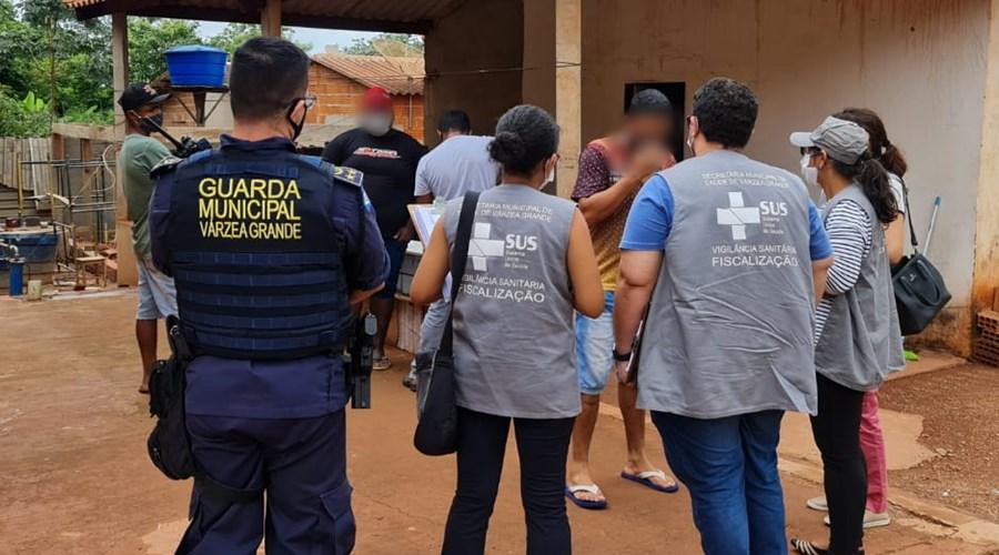 Imagem: Vigilancia Sanitaria interdita abatedouro em vg Vigilância Sanitária interdita abatedouro clandestino