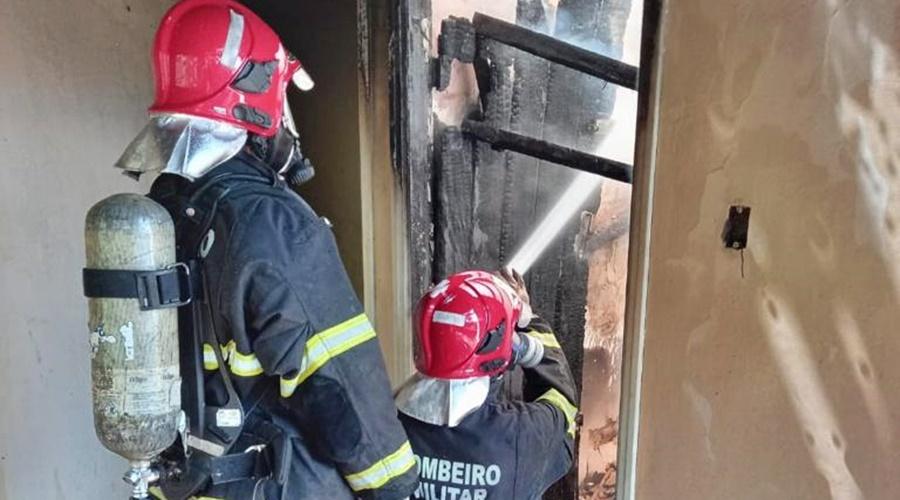 Imagem: b811f881 8974 4b1d 80e7 0f6388f291e1 Empresa pega fogo na avenida Rio Branco