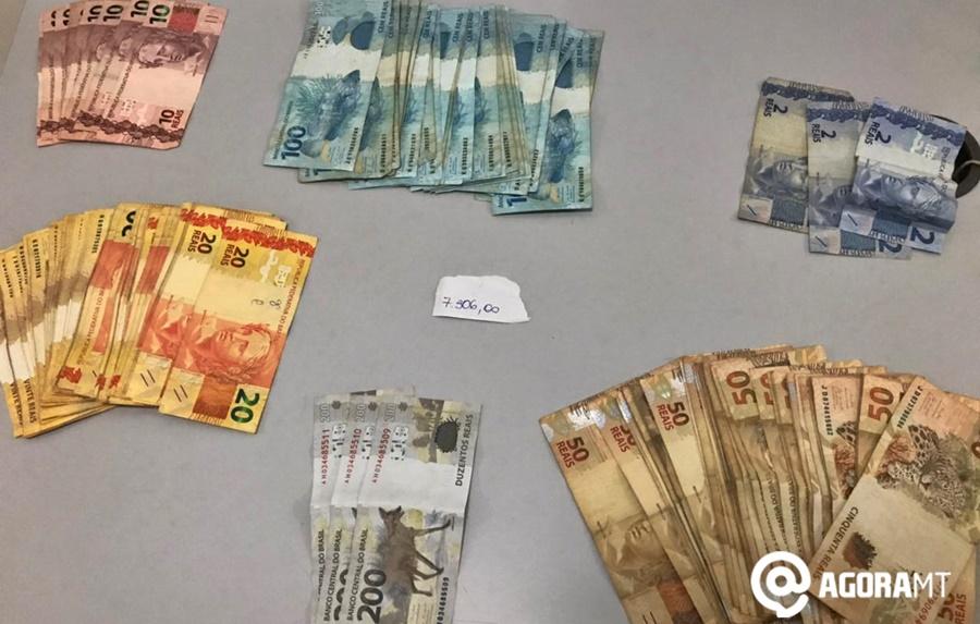 Imagem: dinheiro apreendido Polícia 'estoura' boca de fumo e apreende dinheiro do tráfico