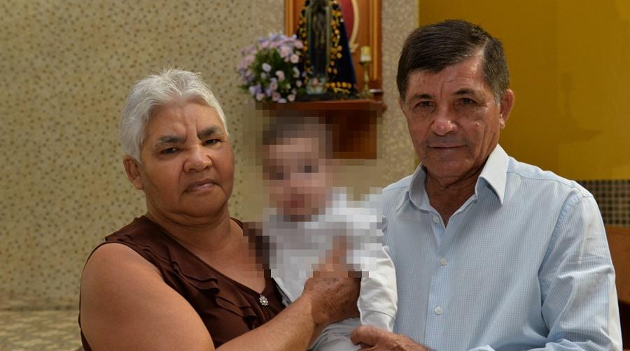 Imagem: idosos Casal de idosos é assassinado e carro do casal incendiado