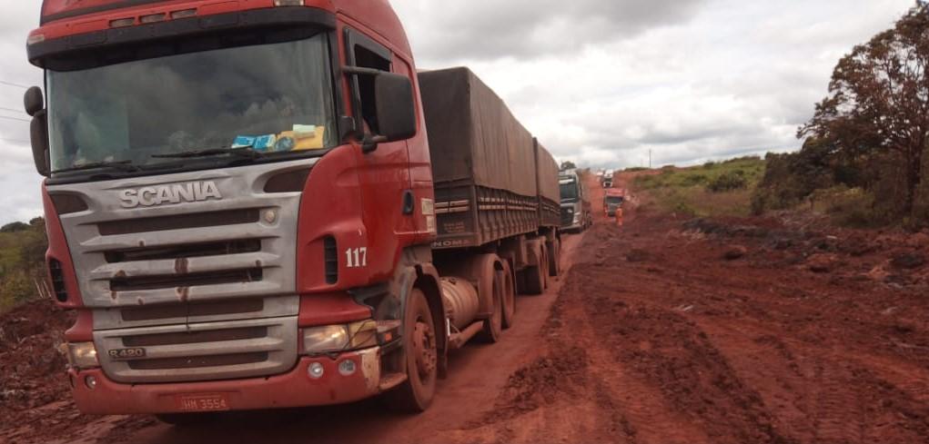 Imagem: mt 322 1 ed Governo finaliza manutenção emergencial e veículos pesados voltam a trafegar pela MT-322