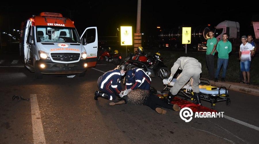 Imagem: A vitima estava desacordada e com lesoes graves Motociclista fica desacordado em estado gravíssimo após acidente com carreta
