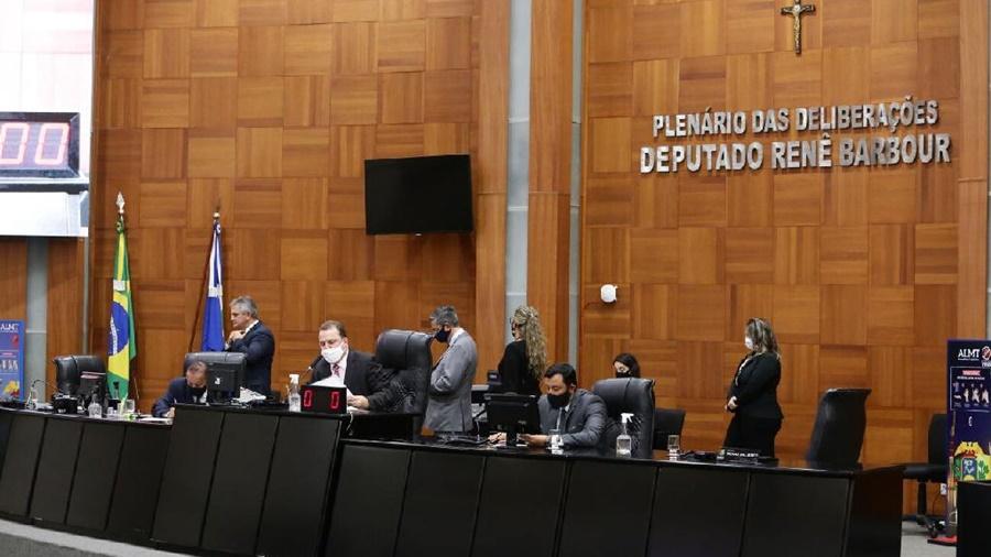 Imagem: AL ASSEMBLEIA DEPUTADOS ESTADO PLENARIO Empresa que desrespeitar medidas restritivas será multada em R$ 10 mil