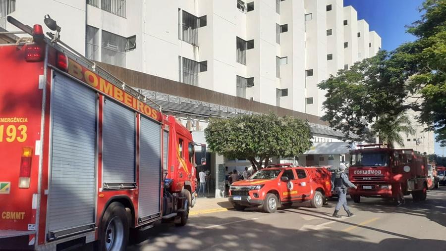 Imagem: Bombeiros no local Bombeiros são acionados para conter princípio de incêndio na Santa Casa
