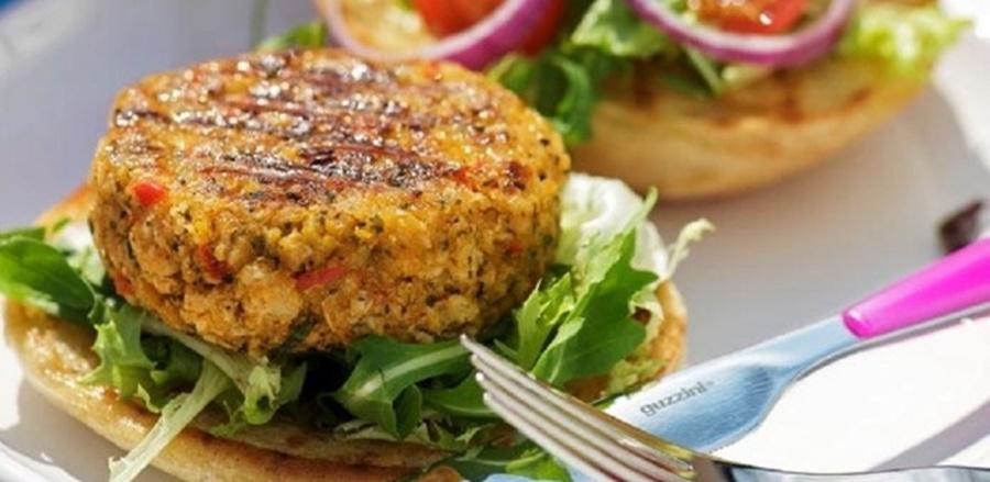 Imagem: Hamburguer de grao de bico Para este sábado aprenda a fazer Hambúrguer de grão de bico