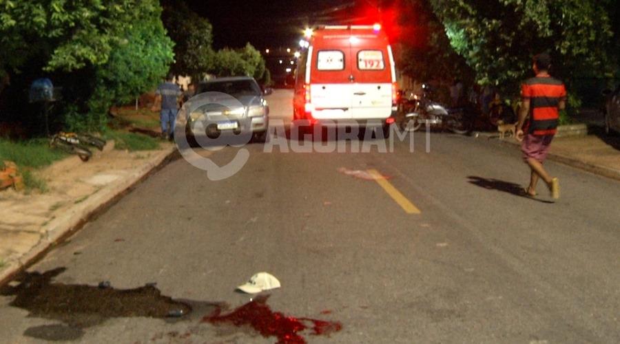 Imagem: Local onde a vitima ficou caida Pedestre é atropelado por motociclista no bairro Dom Bosco