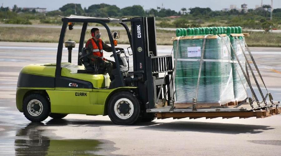 Imagem: Mato Grosso recebe 300 cilindros de oxigenio do Governo Federal Ministério da Saúde envia 340 cilindros de oxigênio para MT