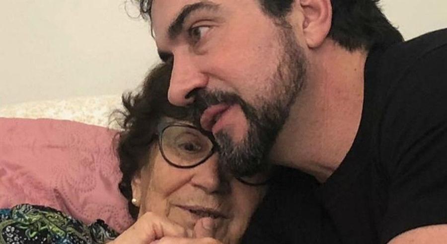 Imagem: Padre Fabio de Melo e a mae Mãe do padre Fábio de Melo morre aos 83 anos
