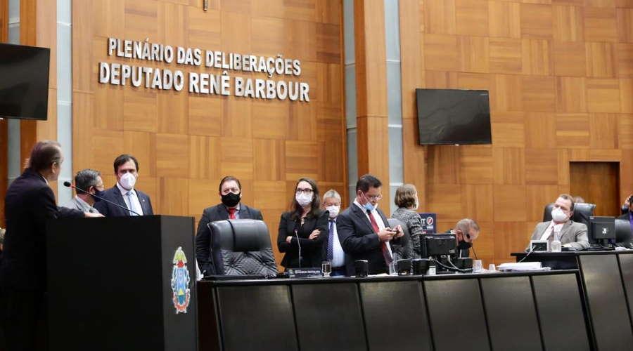 Imagem: almt 1 Deputados querem que retorno às aulas presenciais seja adiado