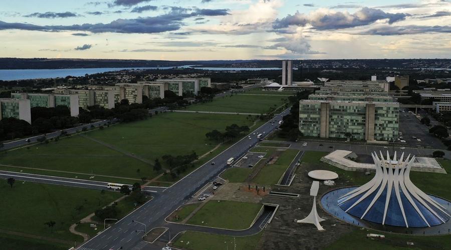 Imagem: brasilia 60 anos esplanada dos ministerios 0420202390 2 Governo confirma troca de comando em seis ministérios