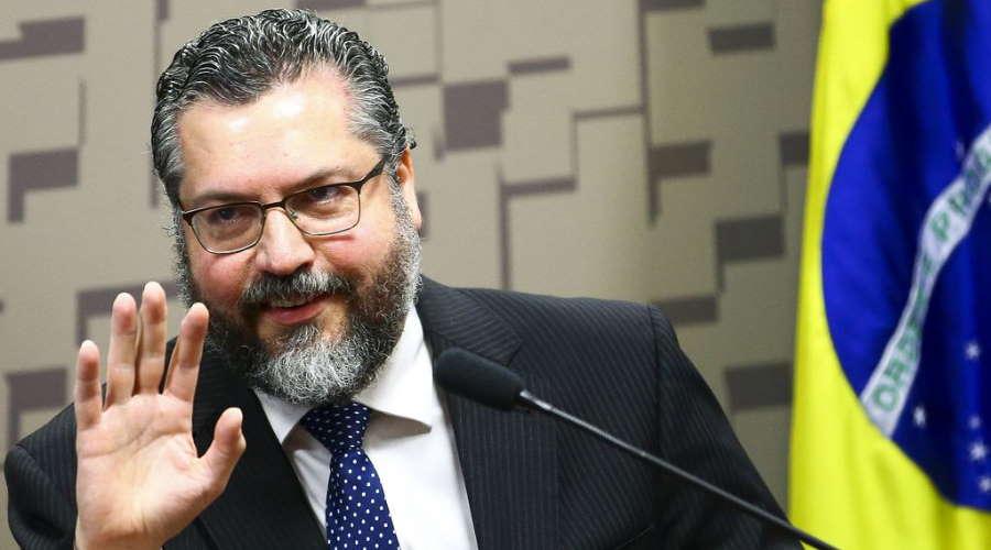 Imagem: ernesto araujo Ernesto Araújo pede demissão após pressão de empresários e políticos