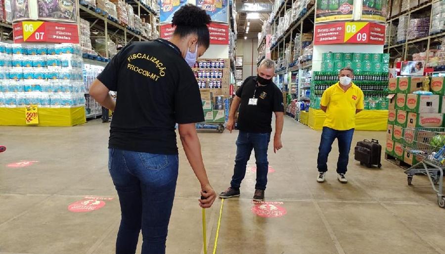 Imagem: fiscalizacao mercado Procon fiscaliza supermercados em cumprimento a Decreto