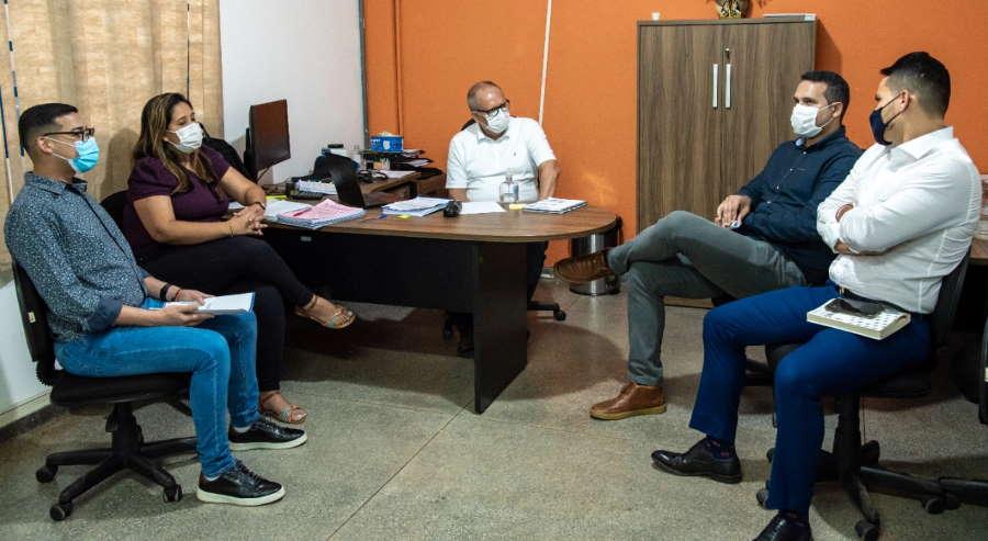 Imagem: prefeito saude 2 Vinicius Amoroso assume comando da Secretaria Municipal de Saúde