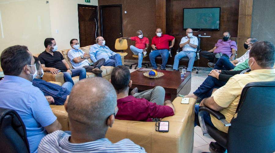 Imagem: reuni pref vereadores Câmara Municipal aprova prorrogação do prazo para pagar IPTU