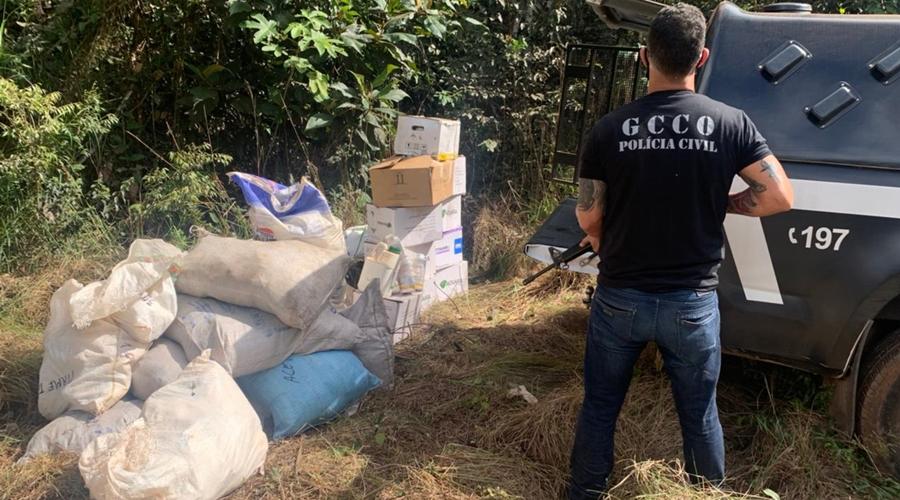 Imagem: 0 gcco PC localiza R$ 150 mil em defensivos agrícolas em região de mata