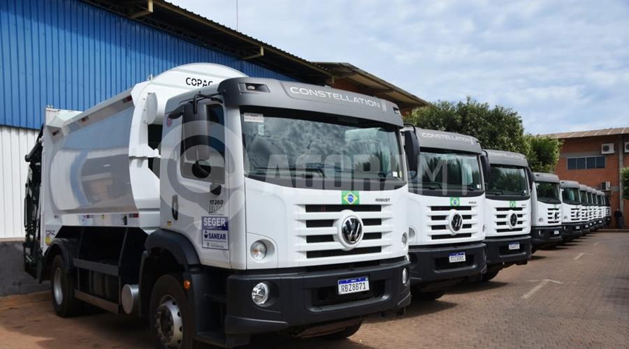 Imagem: 39c9fbc3 f229 4e8f b988 e0f51fdd5234 Caminhões para a coleta de lixo são entregues em Rondonópolis