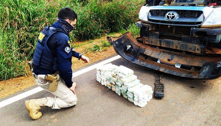 Imagem: 6d427785 8cba 4142 999f 005238a4a396 PRF apreende 47 quilos de pasta base de cocaína em para-choque de caminhonete