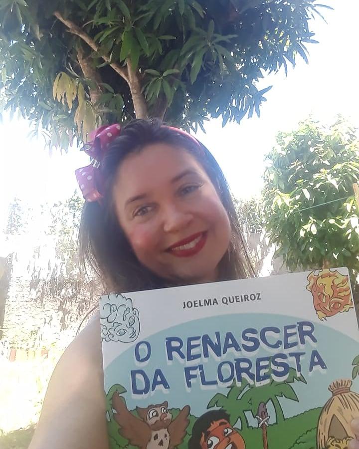 Imagem: A professora Joelma Queiroz comecou a escrever um livro na pandemia. Foto ARQUIVO PESSOAL9236 Com mais tempo em casa, brasileiros se dedicam ao hábito da leitura