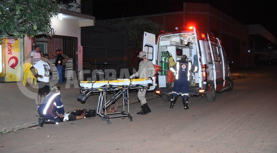 Imagem: Acidente no Jardim Oasis Motociclista tenta fazer ultrapassagem, causa acidente e fica ferido