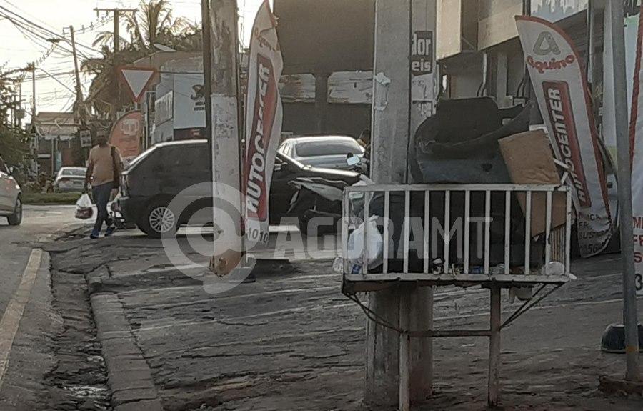Imagem: Coleta de lixo interrompida Trabalhadores protestam e coleta de lixo é interrompida em Cuiabá