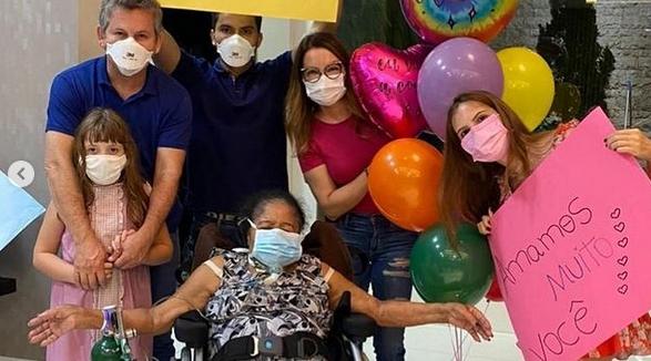 Imagem: Euridice Primeira-dama comemora alta da mãe após 10 meses internada