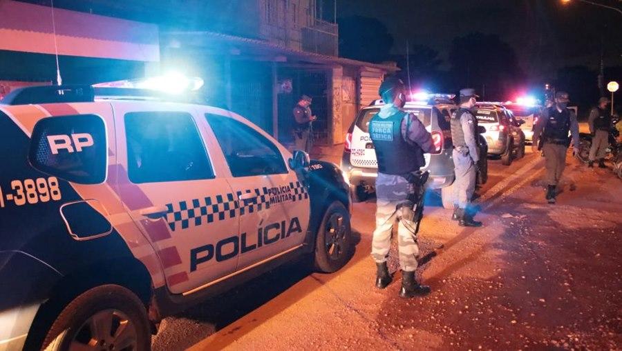 Imagem: Foragidos capturados Foragidos por homicídio, roubo e tráfico de droga são capturados e entregues à Justiça