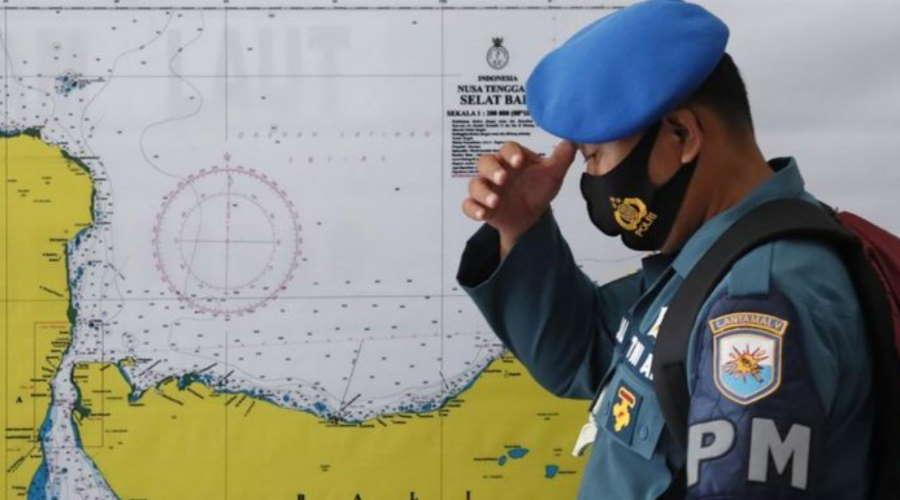 Imagem: Indonesia pm Indonésia corre contra o tempo para achar submarino com 53 tripulantes