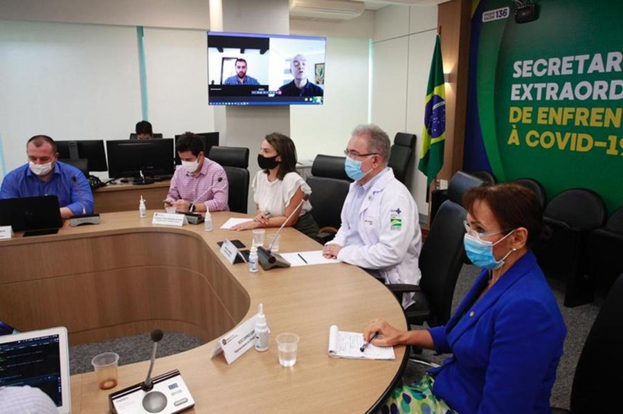 Imagem: MINISTRO VACINAS Ministro debate com OMS uso de fábricas veterinárias para produzir vacinas