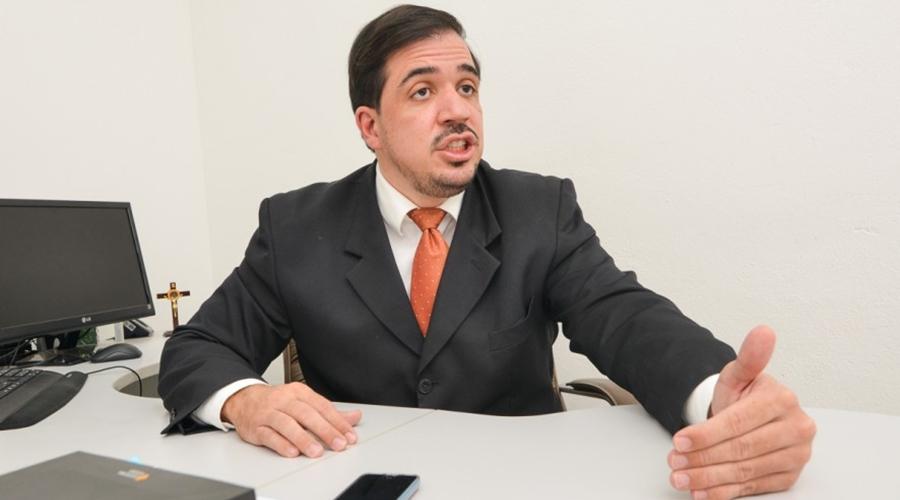 """Imagem: Marcos Faleiros 1 Juiz vê """"perda profissional"""" e manda soltar enfermeira que furtou testes Covid"""