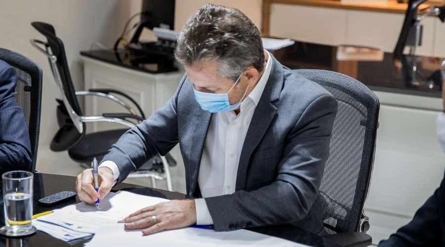 Imagem: Mauro assina Governo lança Refis com desconto de até 95% nos juros e multas
