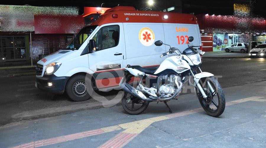Imagem: Motocicleta envolvida no acidente 2 Condutor de Saveiro causa acidente, foge do local e motociclista fica gravemente ferido
