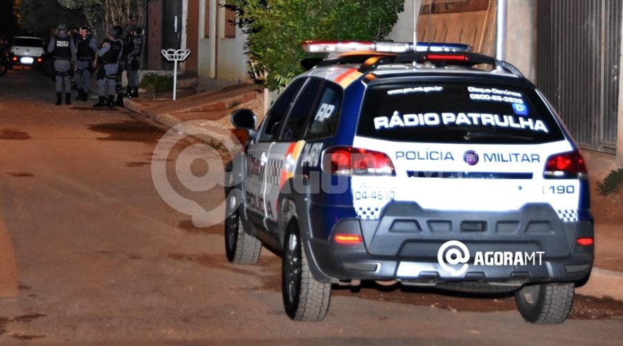 Imagem: Policia Viatura Noite Foto Meesias Filho Ladrão rouba lanchonete, é preso e faz ameaça de morte contra funcionária