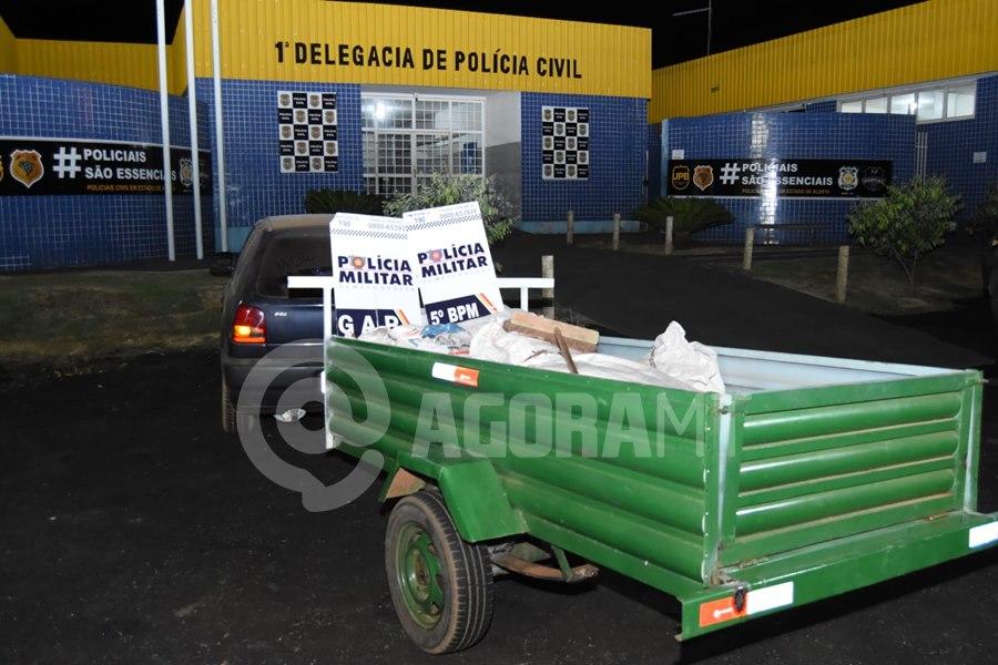 Imagem: Policia agiu rapido e recuperou a carga Dupla tenta furtar carga de carreta em movimento e é presa pela PM