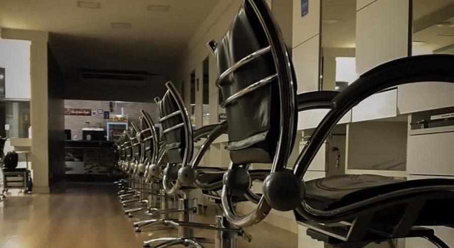 Imagem: Salao de beleza Mais de 370 mil salões de beleza no país fecharam as portas na pandemia