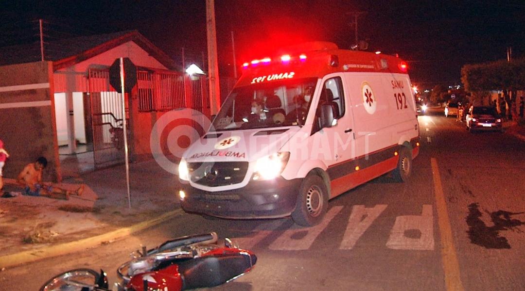 Imagem: Samu chegando para socorrer vitima de acidente no Cidade Alta Foto Cleber Araujo TV CIDADE RECORD Motociclistas ficam feridos após colisão no Cidade Alta